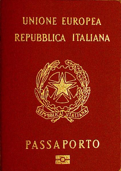 Raddoppia tassa rilascio passaporto, costa euro 73,50